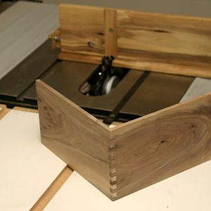 Box joint jig - test cut