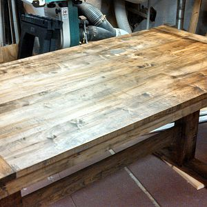 farmhouse_table