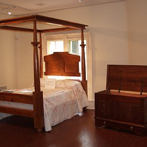 blanket chest and bed