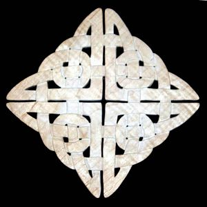 Celtic, woven, 4 know trivet - Curly Maple