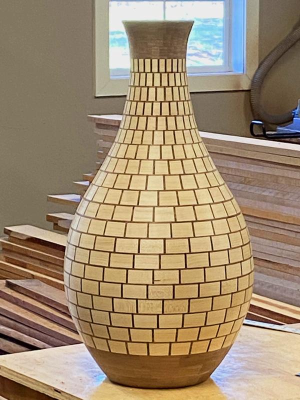 VaseE.jpg